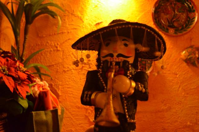 Mexico Lindo mariachi doll