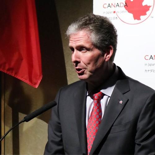 イアン・バーニー駐日カナダ大使のスピーチは、英語とフランス語で、日本語の通訳がつくという、カナダならではの。 #lovecanada150