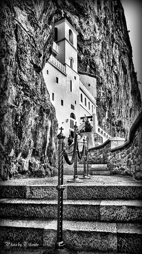 blancoynegro blackwhite bw church monastery orthodox rock