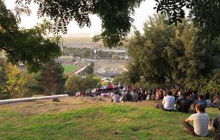 gente viendo el partido