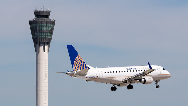 United Express N863RW - Indianapolis International Airport