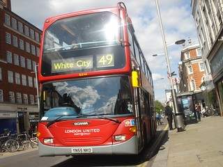 London United SLE44 on Route 49, Kensington