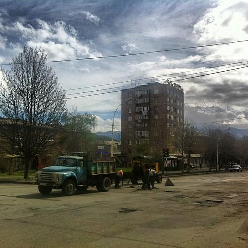 Fixing the road #armenia #vanadzor #urban #travel #ikozosseg #mik #instafollow #instagramers #jjforum #fotoklub