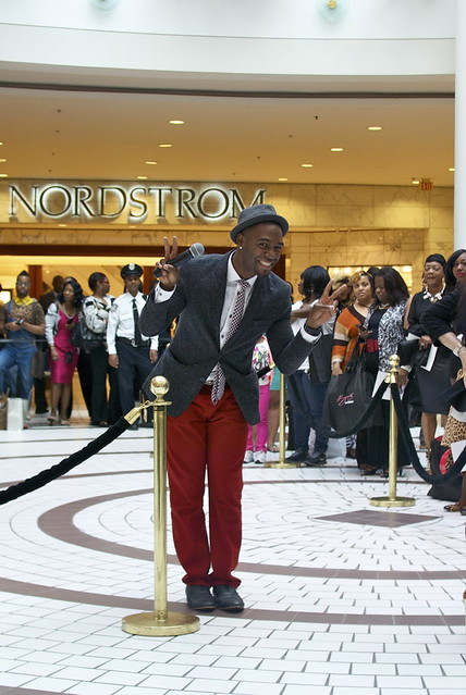 Host, Kevin Thompson, Keyshia Cole, Pentagon City Mall, Event, Steve Madden