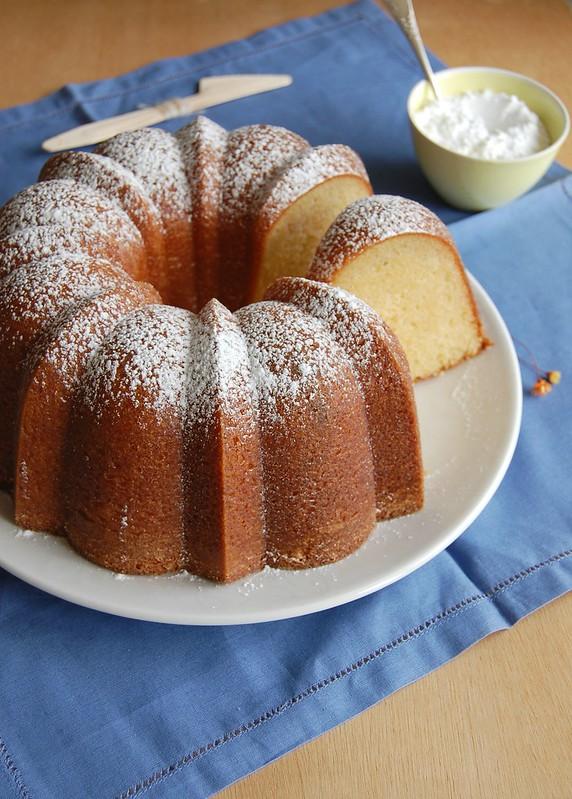 Lemon ripple lemon cake / Bolo de limão siciliano com mesclado de frangipane
