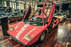 race car, automobile, vehicle, automotive design, lamborghini countach, land vehicle, luxury vehicle, supercar, sports car,