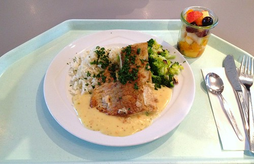 Seelachfilet in Zitronensauce mit Mandelbroccoli / Coalfish filet in lemon sauce with almond broccoli