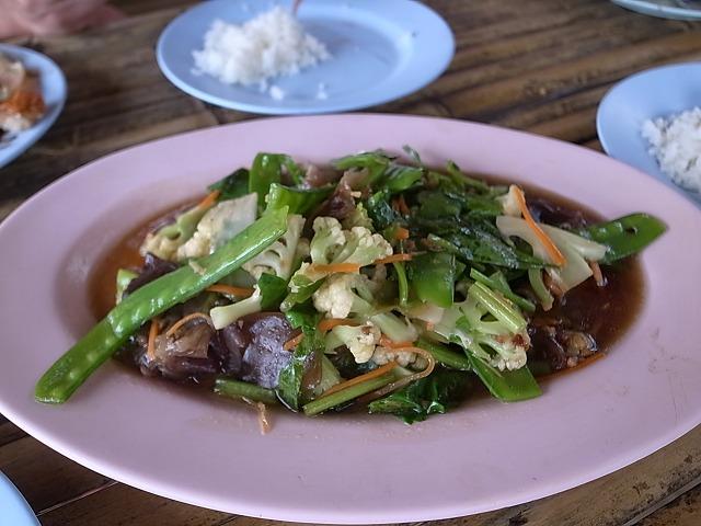 <p>g)野菜のオイスター炒め</p>