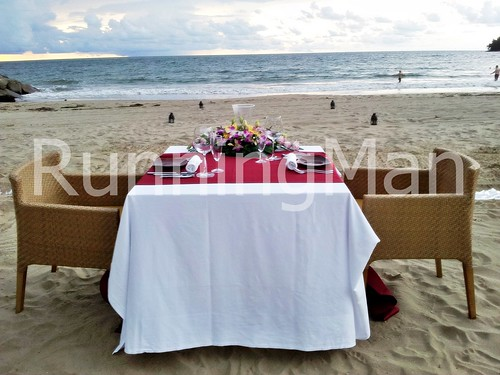 The Empire Hotel And Country Club 05 - Beach Dining
