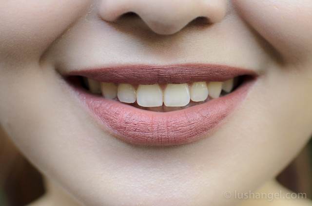 mac-riri-bad-girl-lipstick-swatch