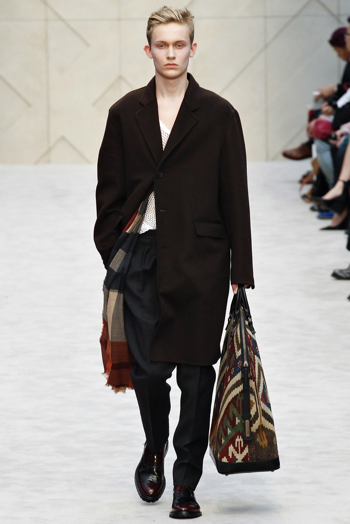 FW14 London Burberry Prorsum010_Freddie Dennis(VOGUE)