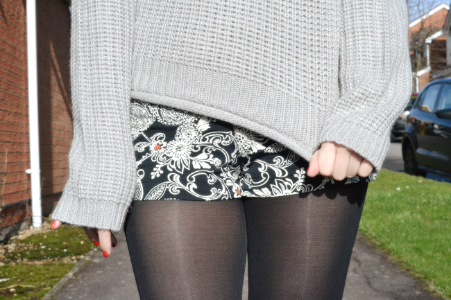 Daisybutter - UK Style and Fashion Blog: what i wore, styling jumpers for winter, jumper and shorts outfits, primark, topshop