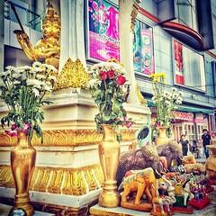 S H R I N E #bangkok #thailand