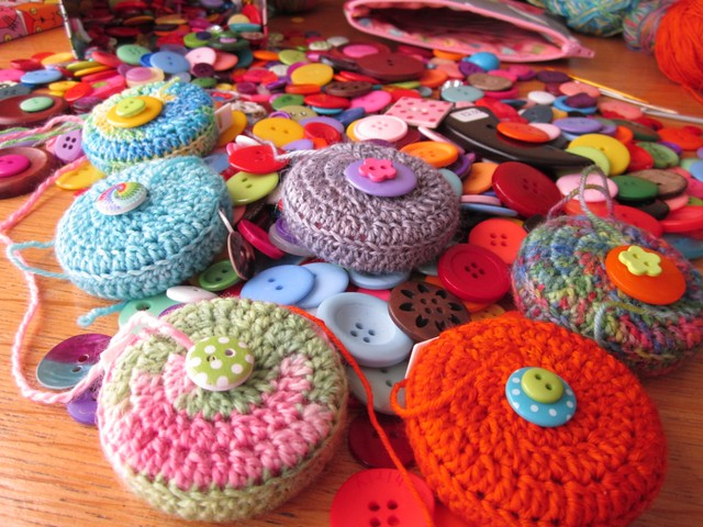 crochet tape measure cases tutorial (38)