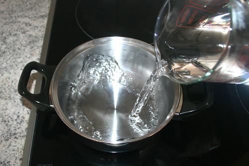 08 - Wasser für Reis aufsetzen / Put on water for rice