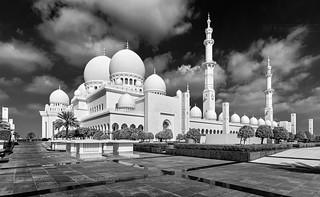 _MG_9032_web - Sheikh Zayed Mosque in B&W
