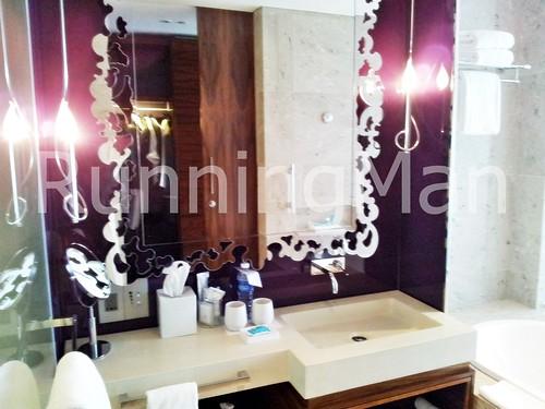 W Hotel Singapore 06 - Fabulous Room Bathroom