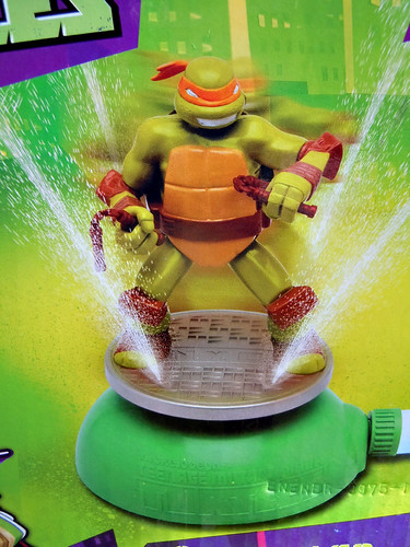 IMPERIAL TOY LLC. :: Nickelodeon TEENAGE MUTANT NINJA TURTLES :: SPRINKLER viii (( 2013 ))