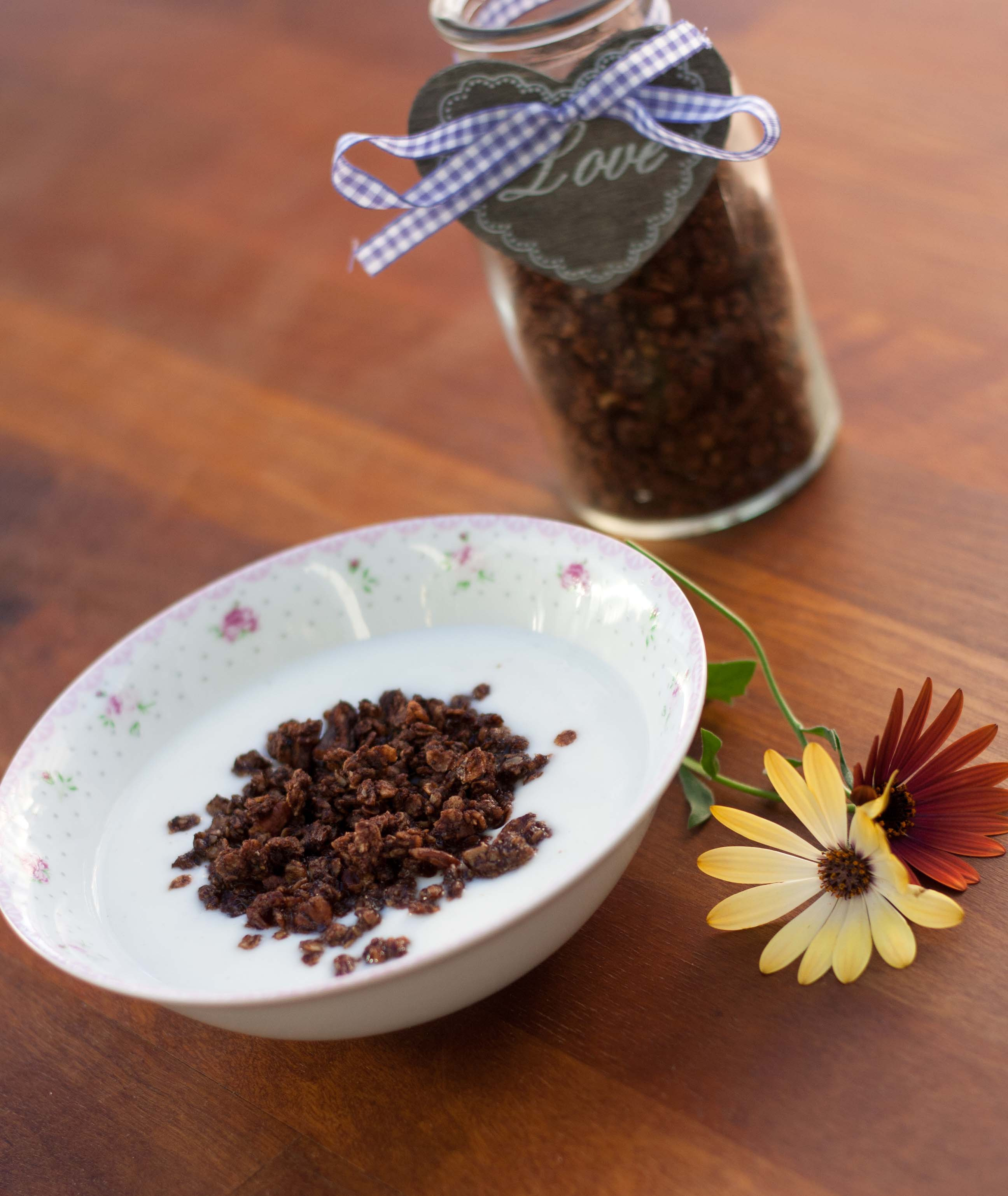 Crunchy Muesli with Cocoa // Chocolate Granola recipe 5