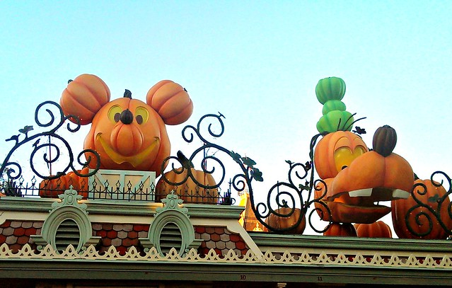 Giant pumpkins at Disneyland park entrance
