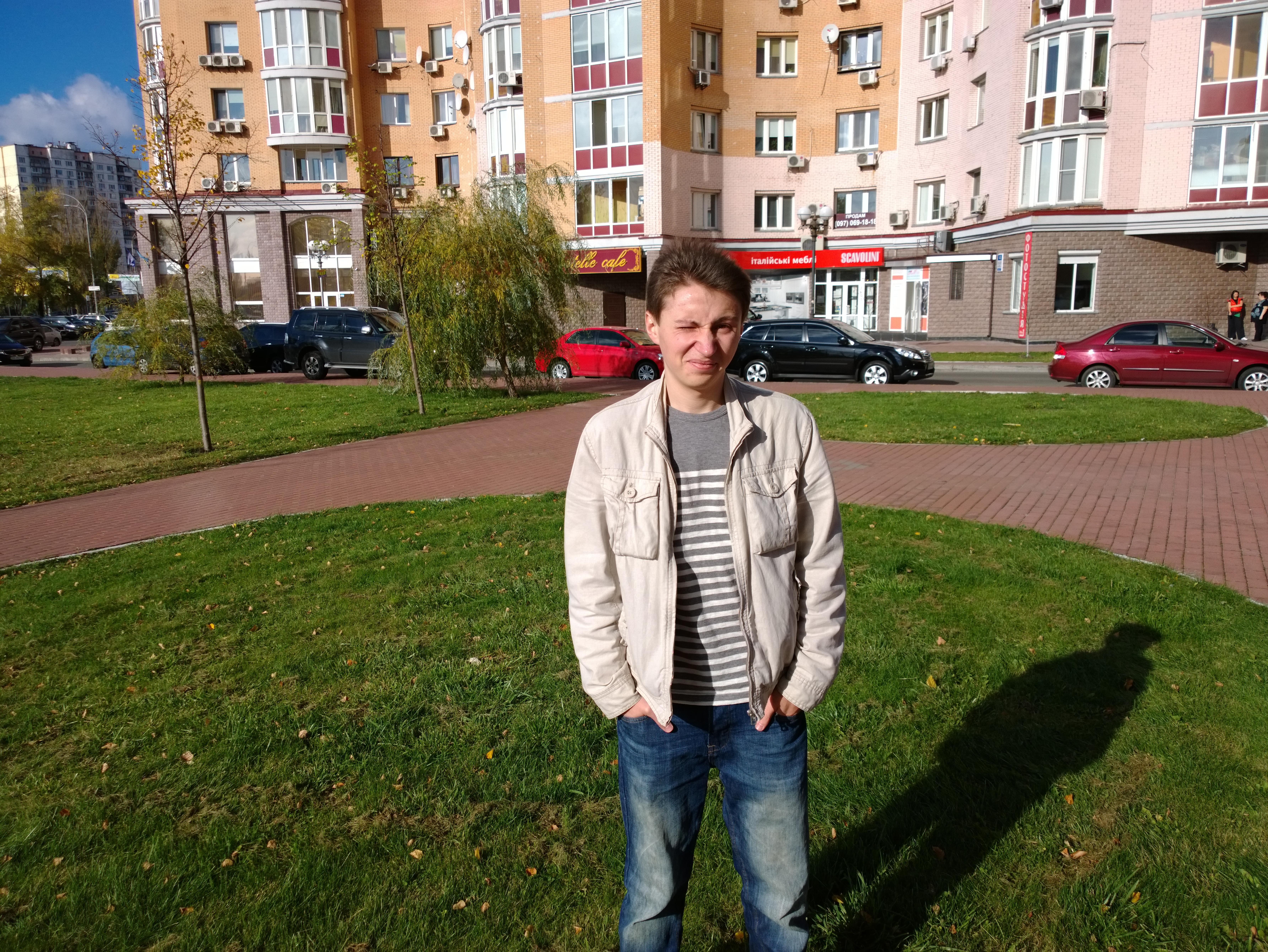 Фото человека днем на Nokia Lumia 1020
