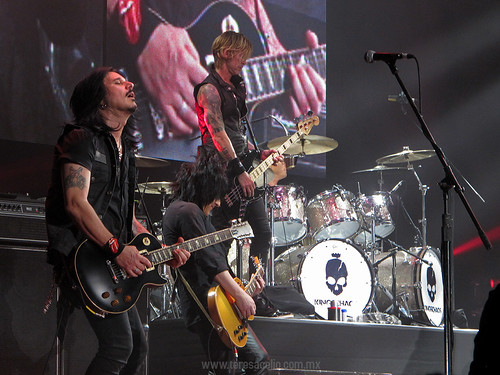 Kings of Chaos - Gilby Clarke, Steve Stevens & Matt Sorum