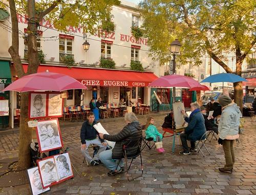 Parisian autumn / Montmartre : Place du Tertre caricaturists  -  EXPLORE