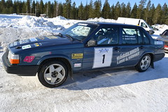 compact sport utility vehicle(0.0), mercedes-benz w201(0.0), automobile(1.0), automotive exterior(1.0), volvo 700 series(1.0), vehicle(1.0), compact car(1.0), sedan(1.0), land vehicle(1.0), luxury vehicle(1.0),
