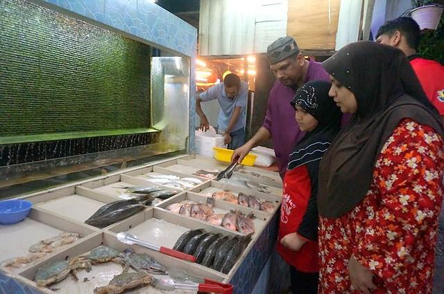 Halal Penang Food ikan bakar Hammer Bay or Seri Pantai - Gold Coast Condominium-007