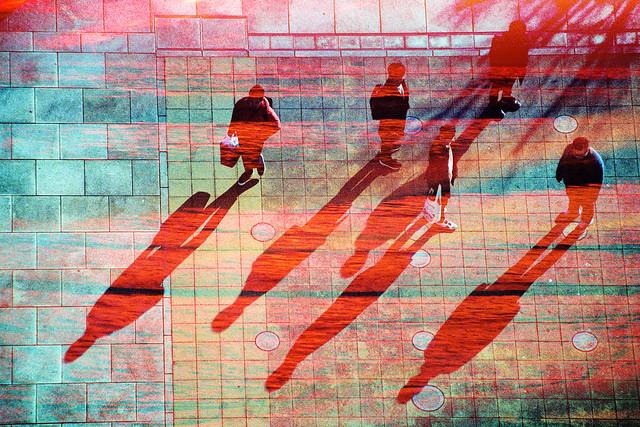 世に棲む緋々 -red shadows