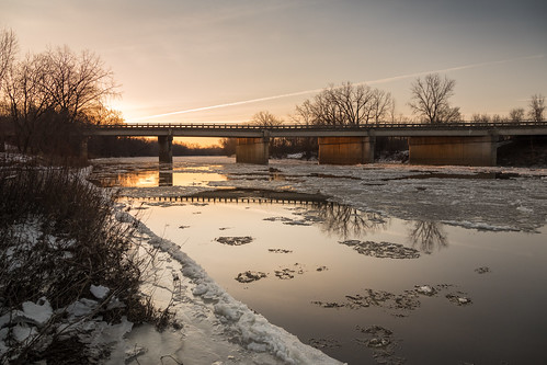 bridge gordonville ice river bank riverbank launch boatlaunch winter february sunrise dawn amanecer cold canoneos5dmarkiv