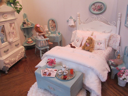 Cottage Rose 1:6 scale bedroom