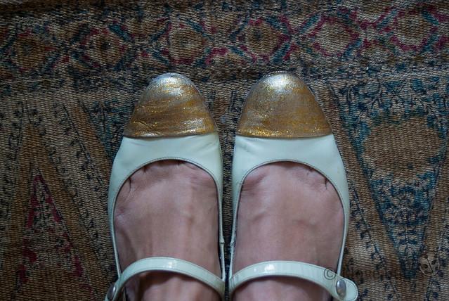 zapatos dorados