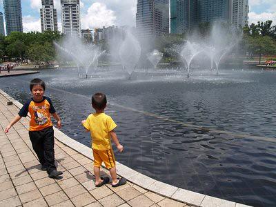 20130412_kl3_fountain