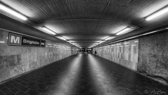 Metro Genova Brignole 2013-05-17 182402 BW