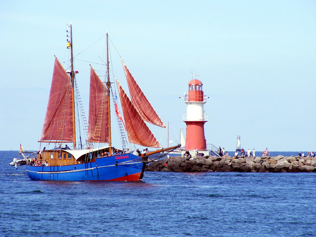 Sailboat at the lighthouse