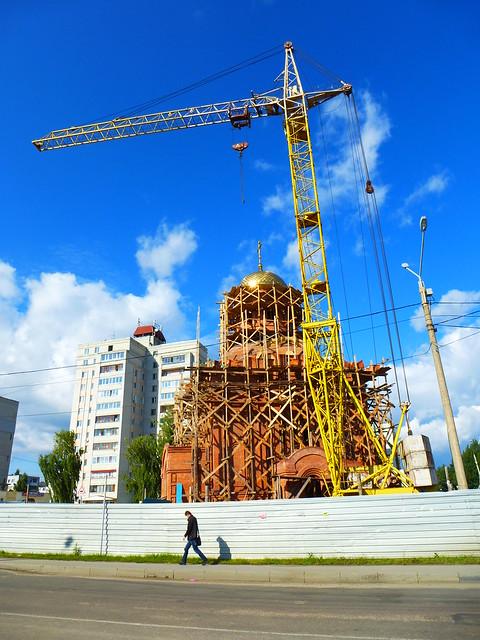 Строящийся храм в Володарском районе