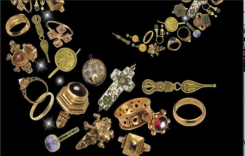 antique-jewellery-wall-street-journal