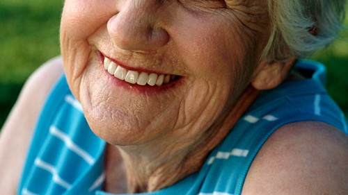 Keeping Pearly Whites Pearly As We Age