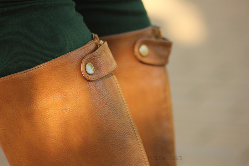 pantalones-verdes-con-jersey-marrón-heelsandroses-(7)