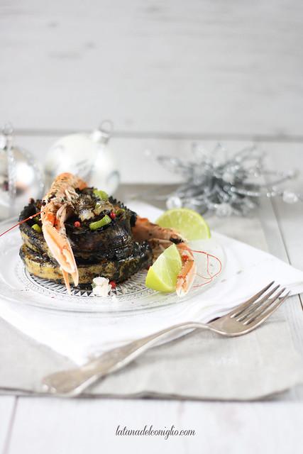 Pappardelle ripiene al tonno al nero di seppia e scampi al lime
