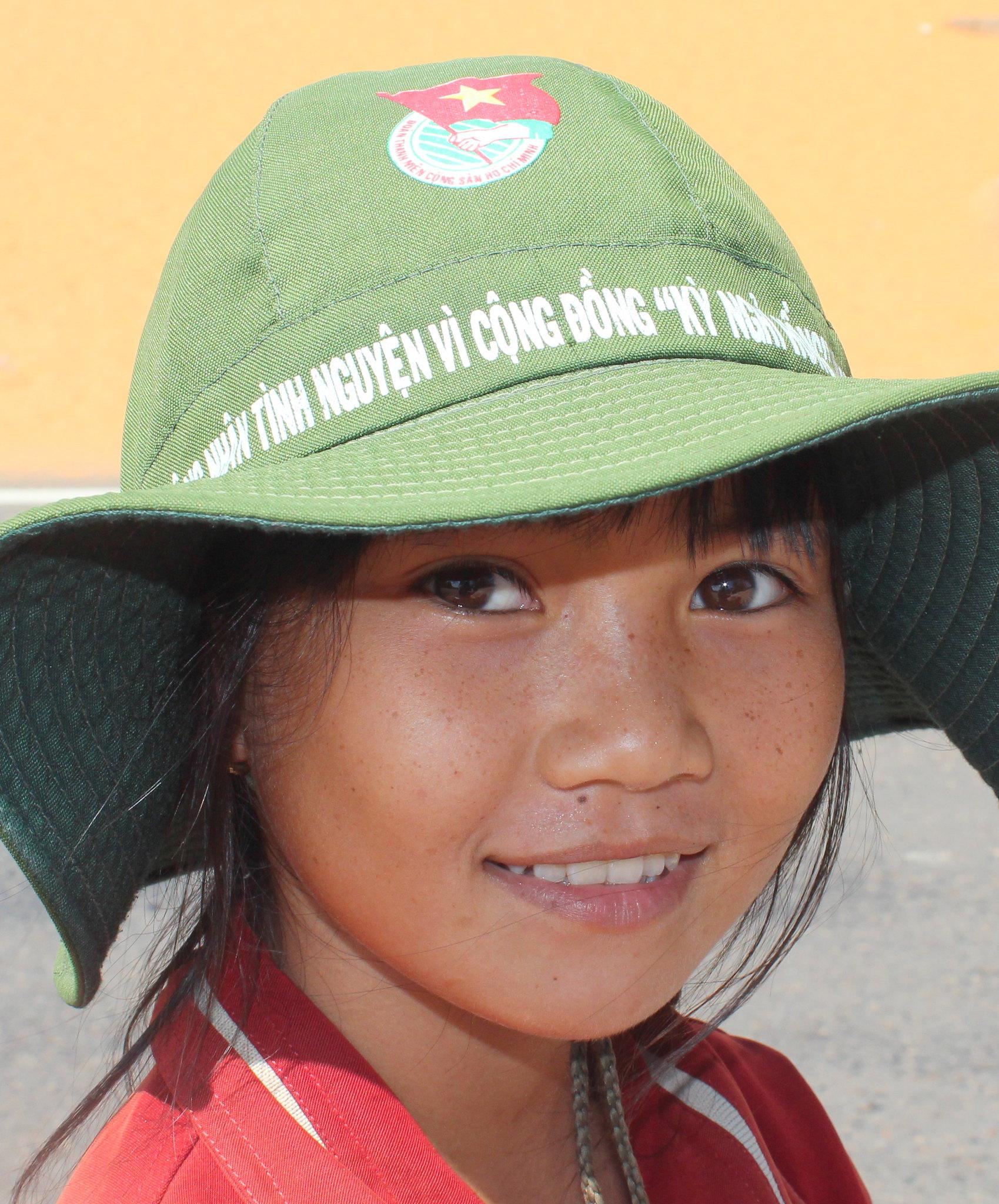 Vietnam-Mui Ne-Little Girl