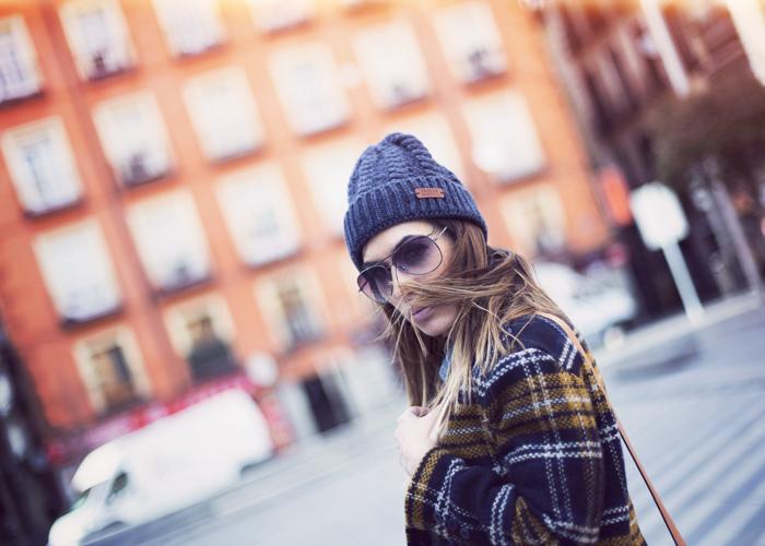 street style barbara crespo navy yellow coat sheinside adidas sneakers fashion blogger outfit blog de moda