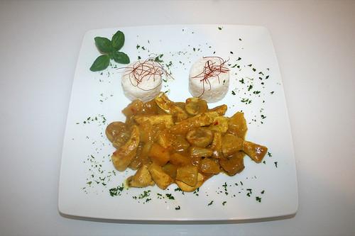 42 - Fruchtiges Hühnchen-Curry - Serviert / Fruity chicken curry - Served