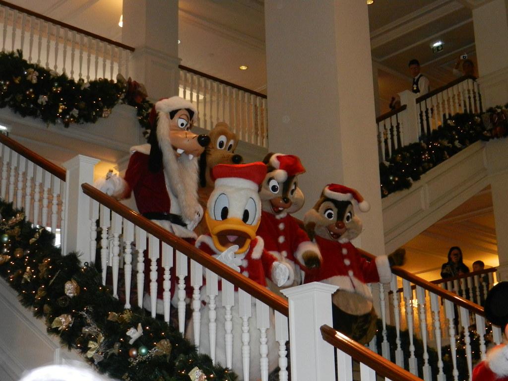 Un séjour pour la Noël à Disneyland et au Royaume d'Arendelle.... - Page 4 13693265485_e77582cf3b_b