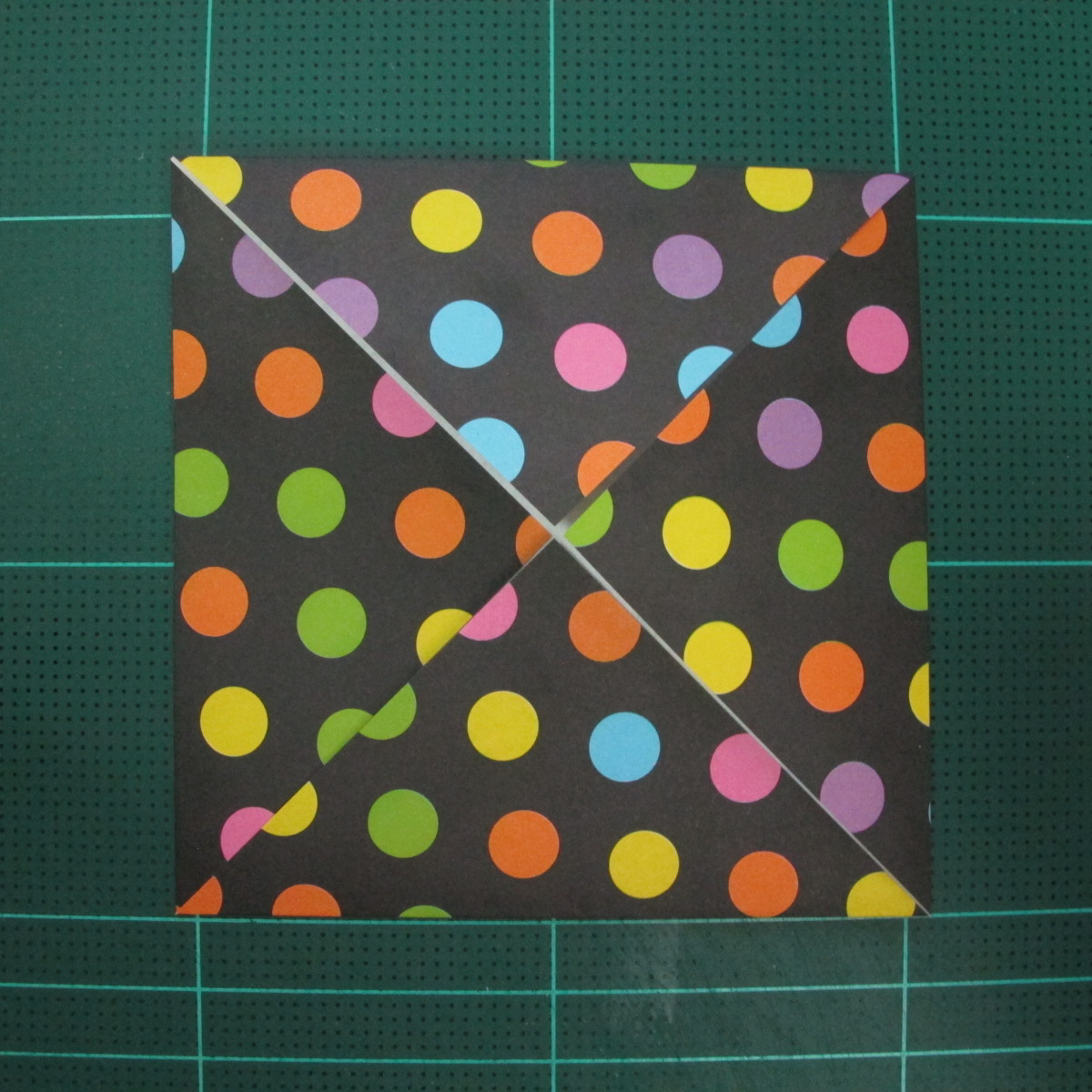 การพับกระดาษเป็นฐานดอกบัว Origami Blintz Based) 005
