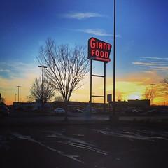 #giantfood #oldsignage #sunset