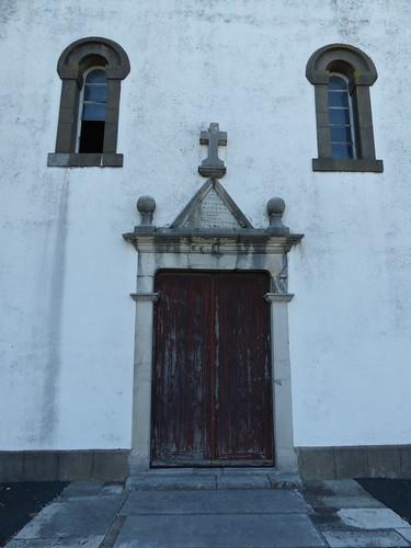 Masparraute ou Martxueta, Pyrénées-Atlantiques: église Saint-Étienne, XVIII°, fermée.