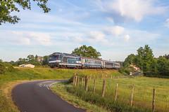 24 avril 2017 BB 67496 Train 3888 Bordeaux -> La Rochelle Montendre (17) - Photo of Jussas