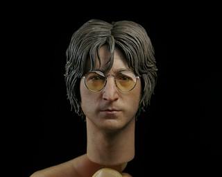 震撼的新品牌『MOLECULE8』登場!首波作品:1/6 比例「約翰‧藍儂」(想像Ver.) John Lennon (Imagine Ver.)